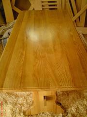 Продаётся стол из натурального дерева